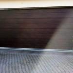 hnědá vrata do garáže